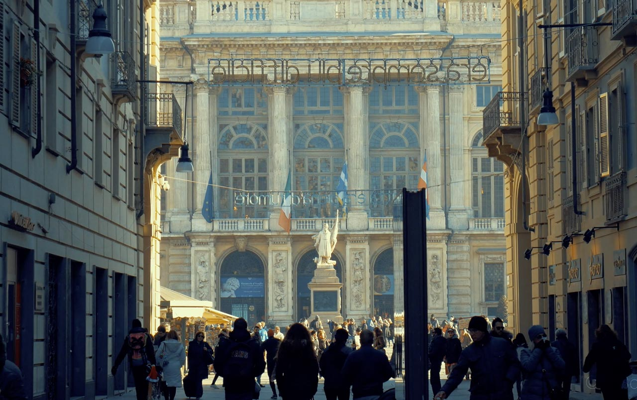 Slide Torino San Salvario - Nel cuore della vita torinese