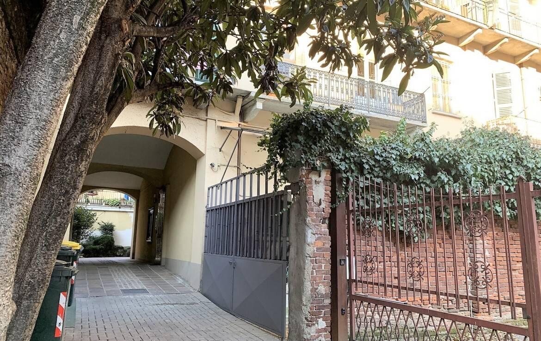 BILOCALE 55 MQ RISTRUTTURATO LUMINOSO VIA NIZZA CORSO DANTE