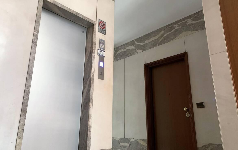 SIGNORILE AMPIO TROLOCALE SANT'ANNA VIA NIZZA DA RISTRUTTURARE
