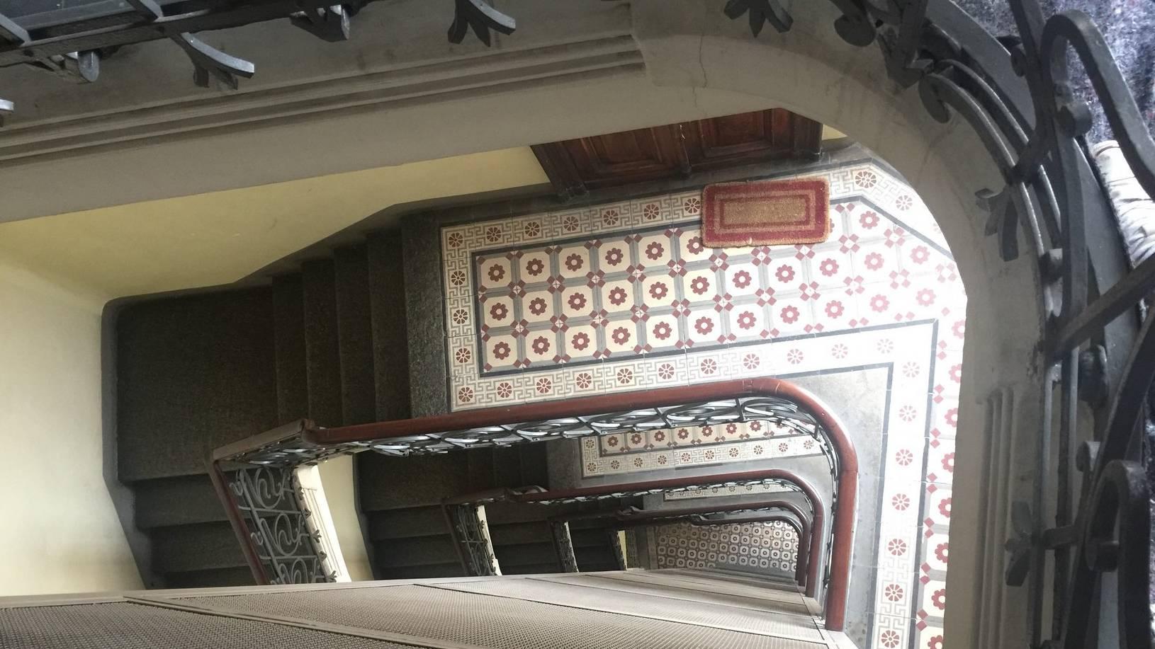 DA INVESTIMENTO BILOCALE PIANO ALTO ASCENSORE VIA MADAMA CRISTINA CORSO DANTE METRO CARDUCCI