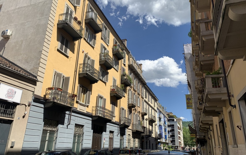 MADAMA CRISTINA - MASSIMO D'AZEGLIO - EPOCA '800 - RISTRUTTURATO A NUOVO - 4 LOCALI - BALCONI - PIANO ALTO